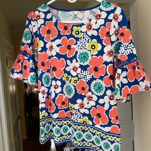Crown and Ivy Tulip Floral Top